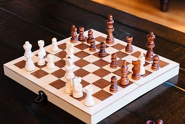 2021.04.28 Chess_set_2014